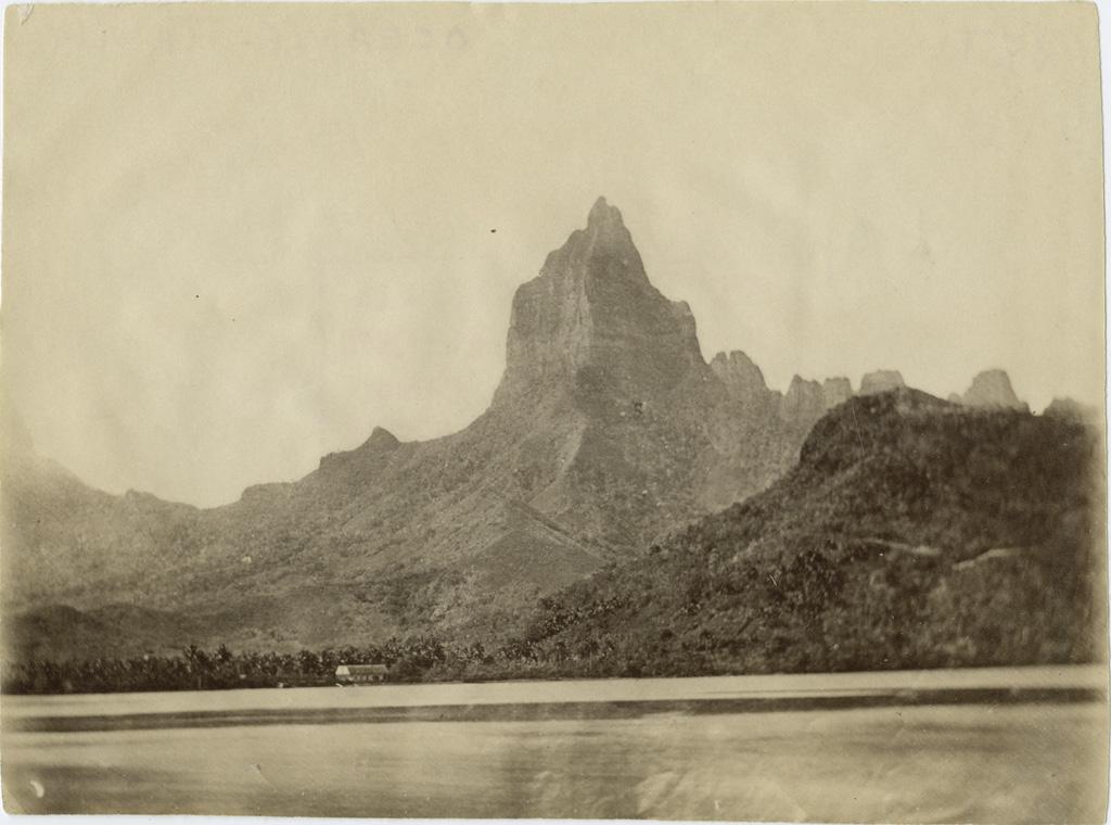 Vue sur la baie d'Opunohu, île de Moorea