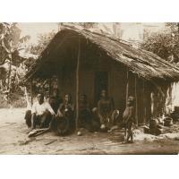 Wohnhütte im Basa-Gebiet